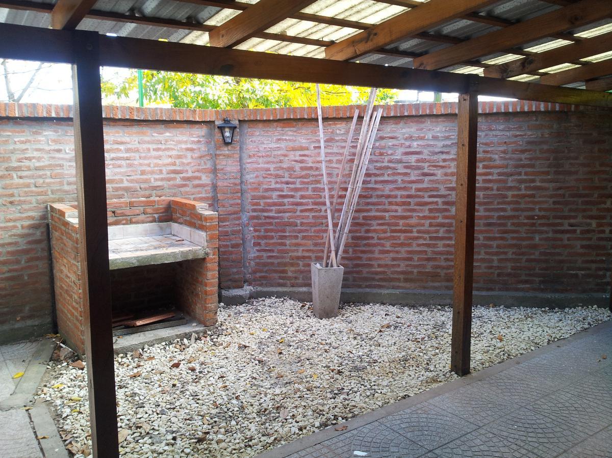 Foto Casa en Venta en  La Plata,  La Plata  530 esquina 134