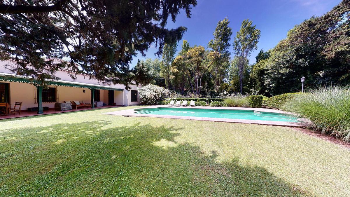 Foto Casa en Venta en  Las Lomas de San Isidro,  San Isidro  Nicolás Avellaneda al 2500