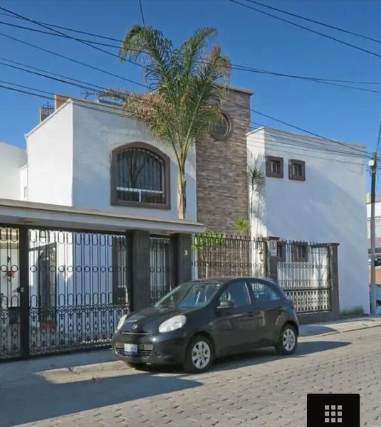 La firma real estate casa en renta en la joya calle for Calle prado panetes 10 guadalix de la sierra