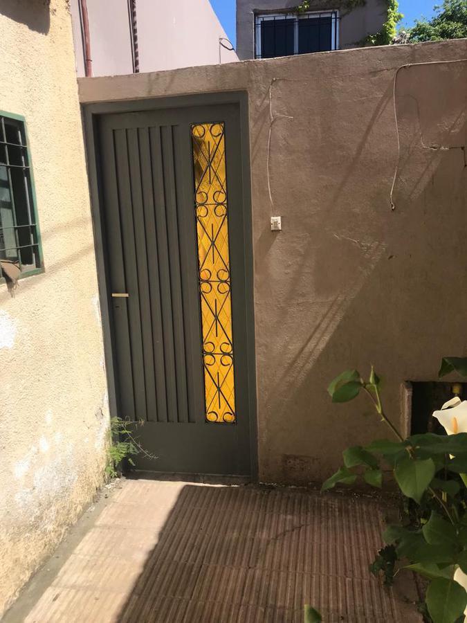 Foto Casa en Alquiler en  Los Hornos,  La Plata  Calle 47 entre 138 y 139