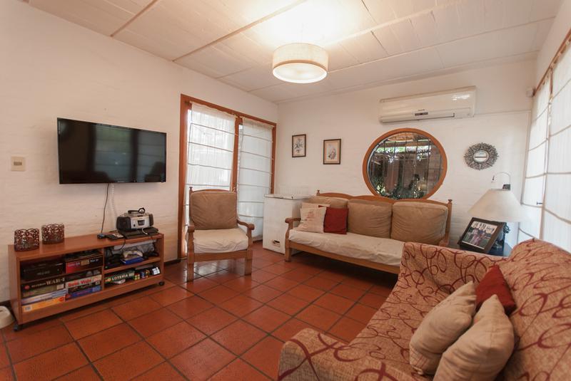 Foto Casa en Venta en  Pinares,  Punta del Este  Casa Avenida la Laguna