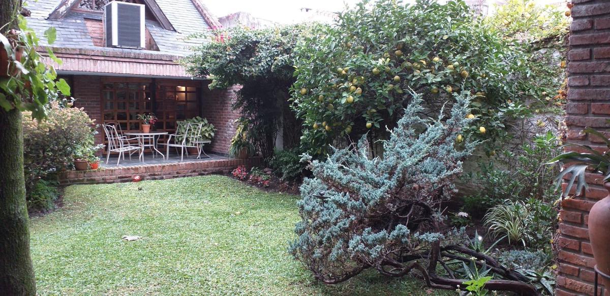 Foto Casa en Venta en  Villa Sarmiento,  Moron  Gral. Francisco Bosch 458