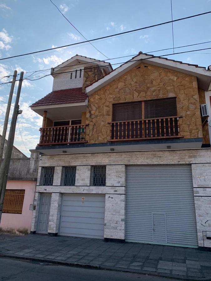 Foto Casa en Venta en  Remedios De Escalada,  Lanus  Colon 1741