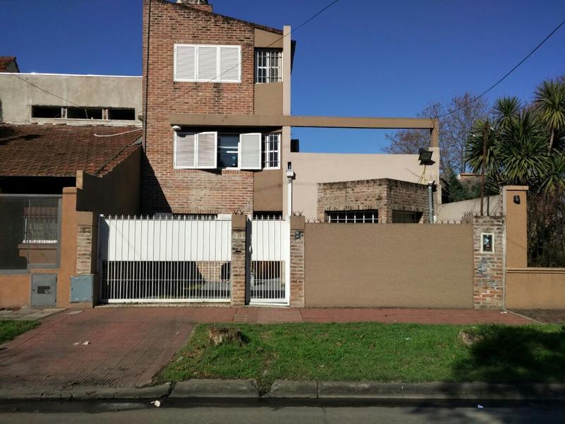 Foto Casa en Venta en  Ituzaingó,  Ituzaingó  Mansilla al 300