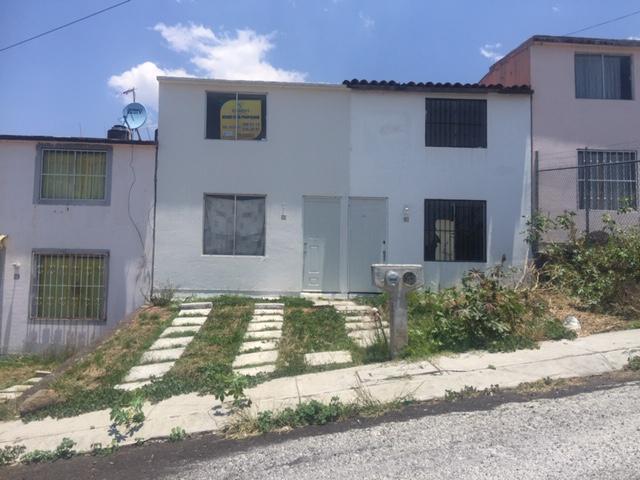 Foto Casa en Venta en  Fraccionamiento Ario 1815,  Morelia  COL. ARIO DE al 1800