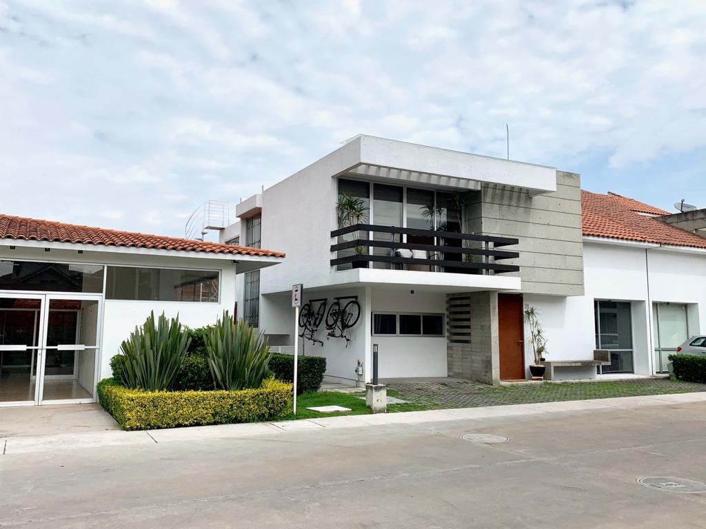 Foto Casa en Renta en  Santiaguito,  Metepec  Metepec Casa en Renta frente a Parque Bicentenario