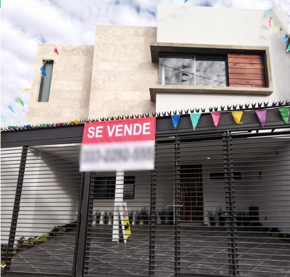 Foto Casa en Venta en  Tabachines,  Zapopan  Paseo de los Pinabetes 1460 2