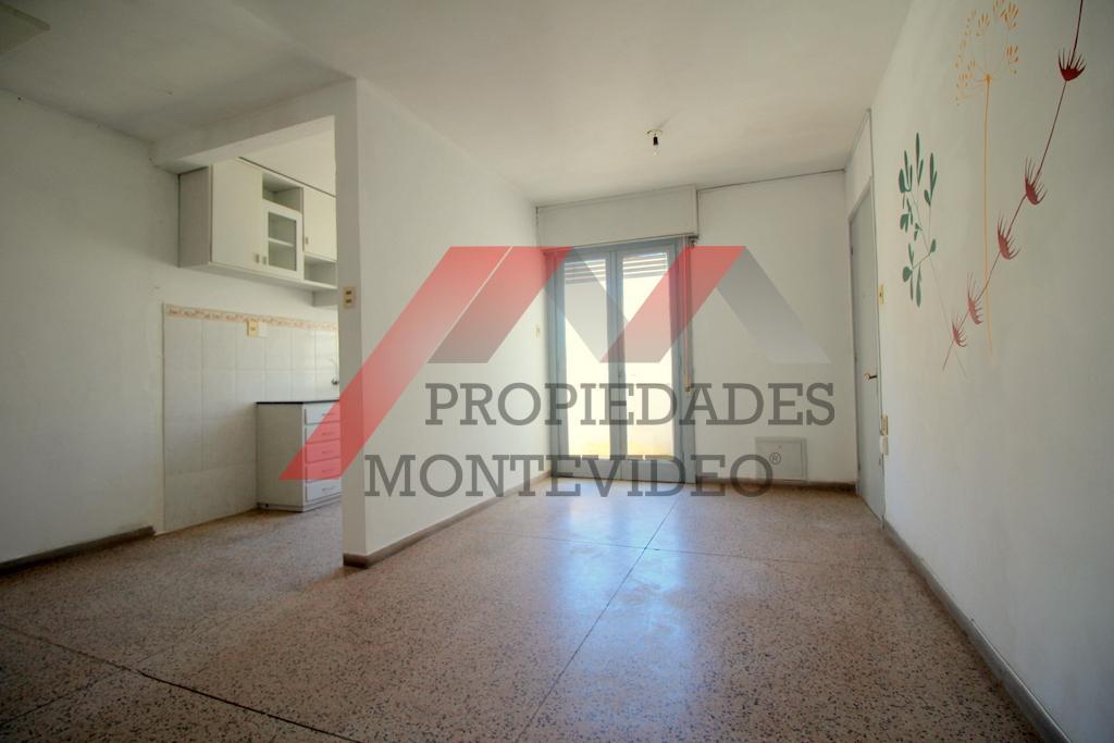 Foto Apartamento en Venta en  Malvín ,  Montevideo  Malvín, Hipólito Yrigoyen y Almería