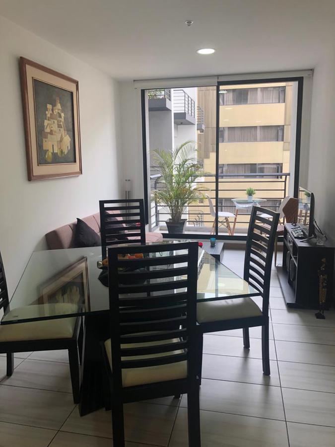 Foto Departamento en Alquiler en  Norte de Quito,  Quito  6 DE DICIEMBRE Y PORTUGAL