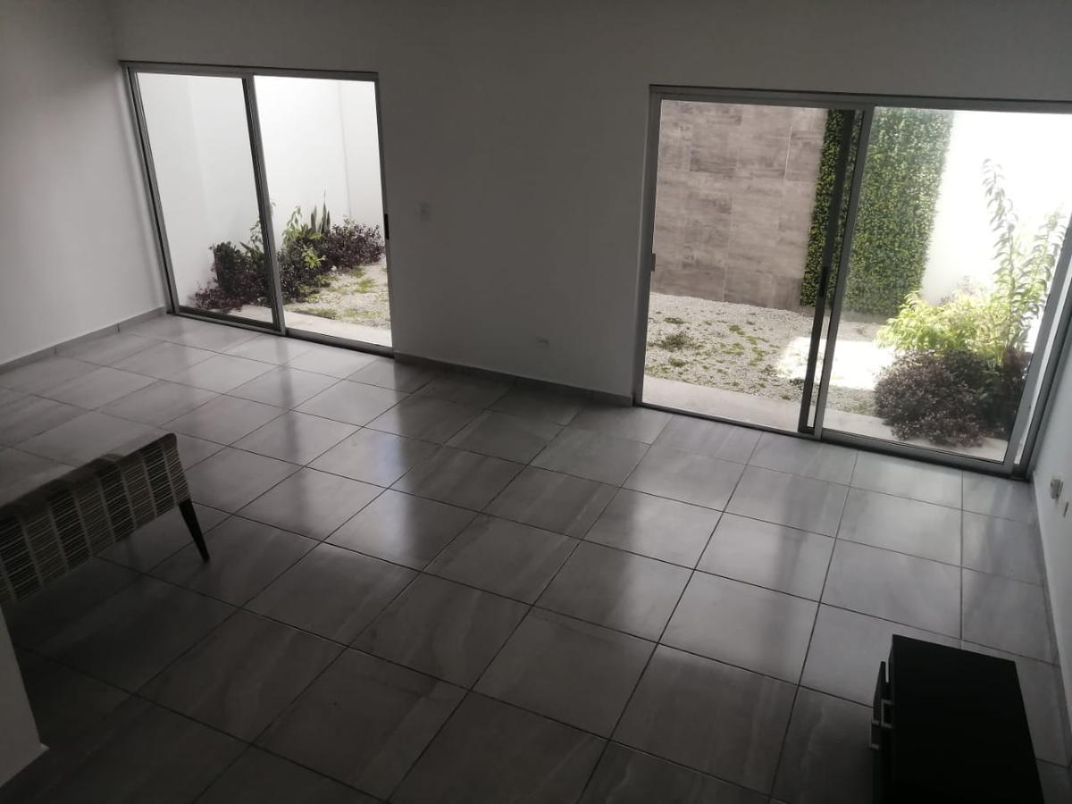 Foto Casa en condominio en Venta en  Supermanzana 329,  Cancún  CASA EN VENTA EN CANCUN EN RESIDENCIAL ASTORIA EN AVE HUAYACÁN