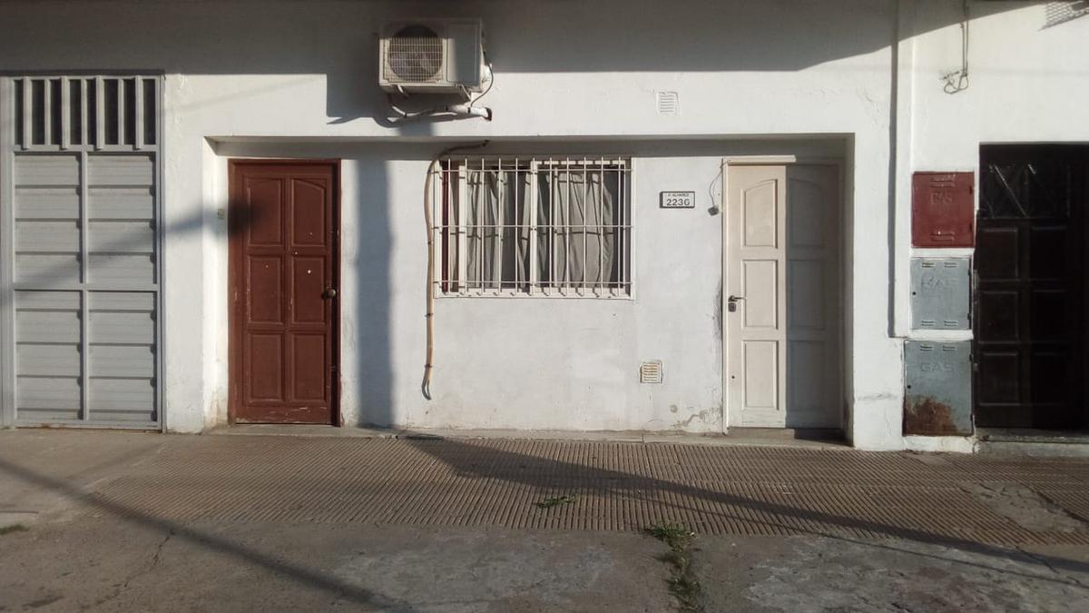 Foto PH en Venta en  Villa Ballester,  General San Martin  SIN EXPENSAS,Agustin Alvarez al 2200