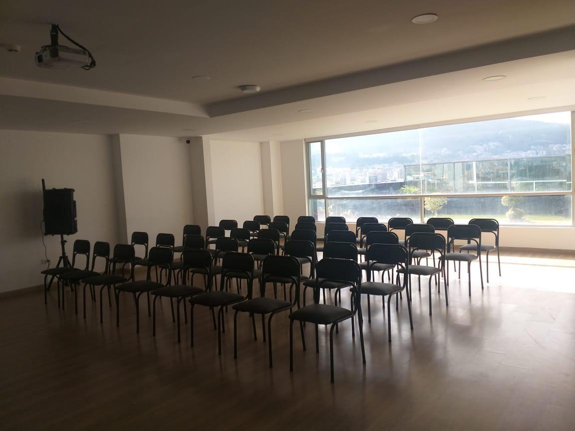 Foto Oficina en Alquiler en  Norte de Quito,  Quito  Carolina
