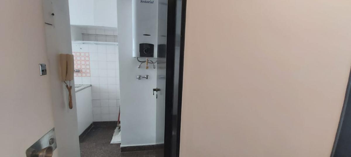 Foto Departamento en Alquiler en  Caballito ,  Capital Federal  Muñiz 692 6º 20