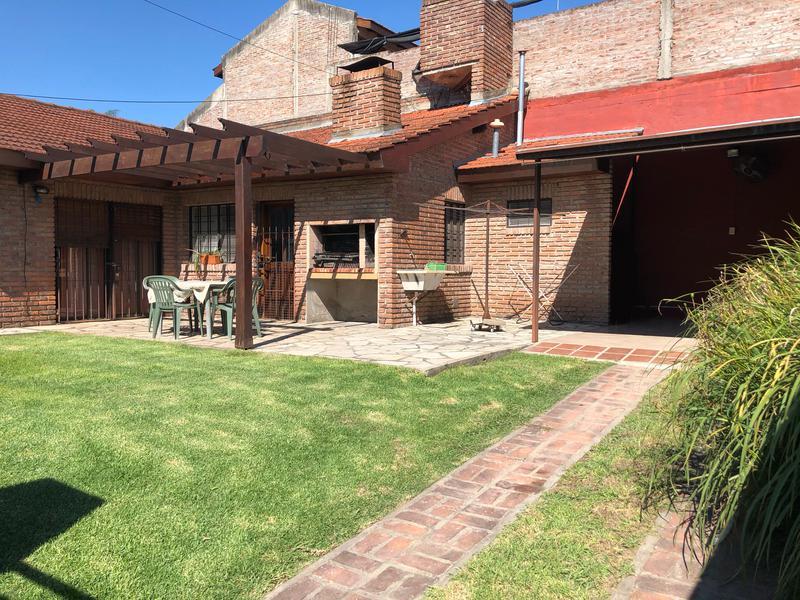 Foto Casa en Venta en  Esc.-Centro,  Belen De Escobar  Belgrano 992