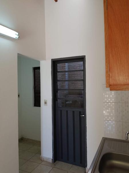 Foto Casa en Alquiler en  Lambaré ,  Central  Zona colegio SEK