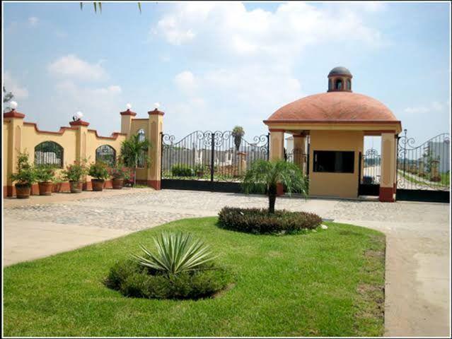 Foto Casa en Venta en  Rancho o rancheria Ixtacomitan,  Villahermosa  Terreno en venta en Hacienda Esmeralda, Ixtacomitan