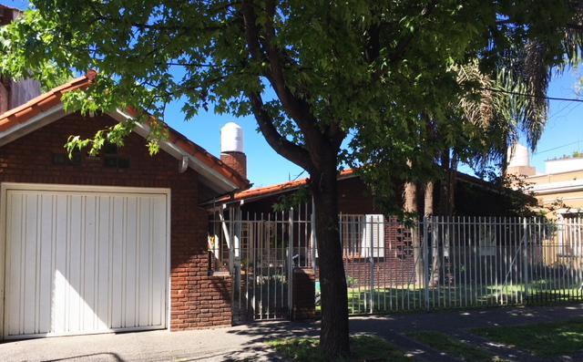 Foto Casa en Venta en  Castelar Sur,  Castelar  Gustavo Becquer