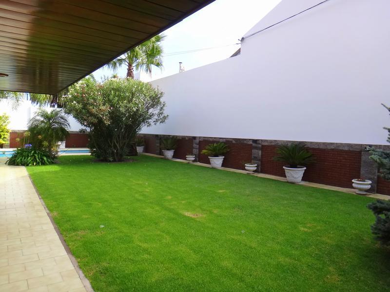 Foto Casa en Venta en  Los Troncos,  Mar Del Plata  Av. Juan J. Paso y Lavalle