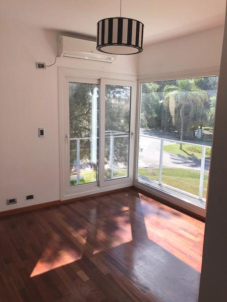 Foto Casa en Venta en  El Lauquen,  Countries/B.Cerrado (E. Echeverría)  Venta  - Casa en El Lauquen - Canning