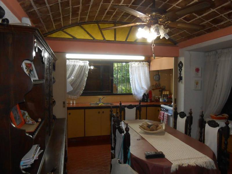 Foto Casa en Venta en  Barrio Parque Leloir,  Ituzaingo  Del Cielito al 800