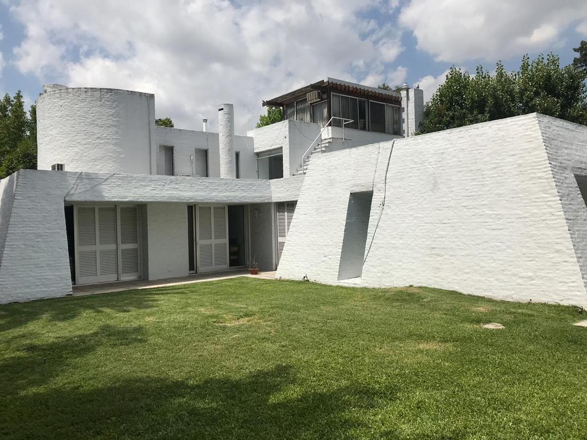 Foto Casa en Venta en  Beccar,  San Isidro  Roca Pte. al 600