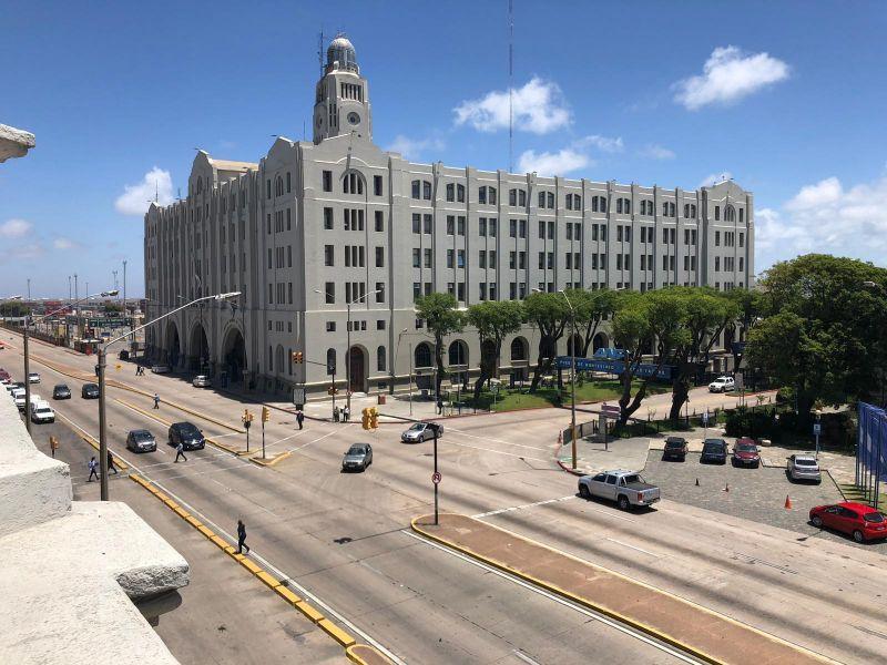 Foto Local en Alquiler en  Ciudad Vieja ,  Montevideo  RAMBLA NORTE CIUDAD VIEJA