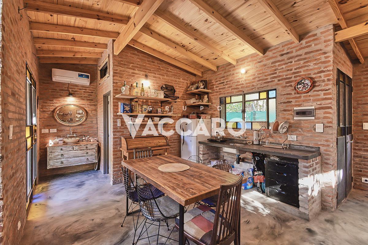 Foto Casa en Venta en Del candil y De la doma, Parque Leloir, G.B.A. Zona Oeste | Ituzaingó | Barrio Parque Leloir
