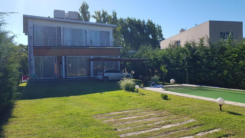 Foto Casa en Venta en  Pueblo Esther,  Rosario  Campos de Esther