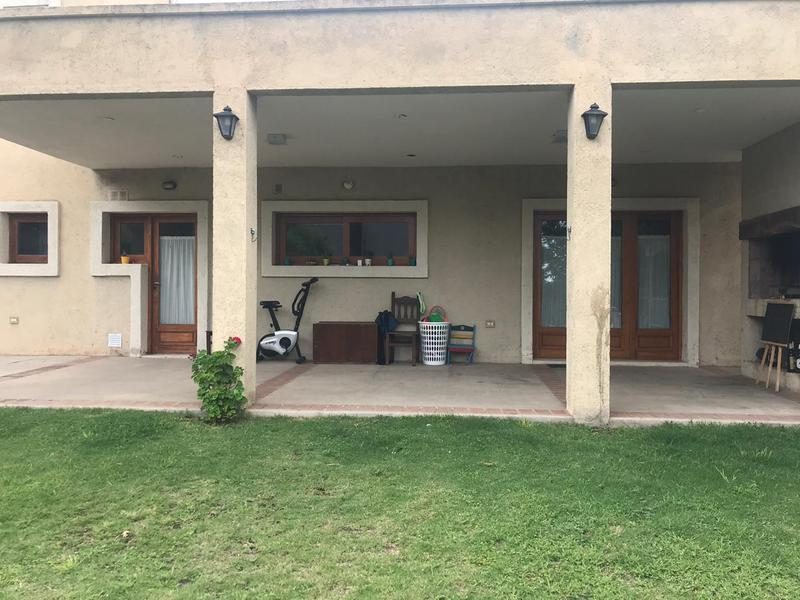 Foto Casa en Venta en  Valle Escondido,  Countries/B.Cerrado (Cordoba)  Valle Escondido-El Balcon