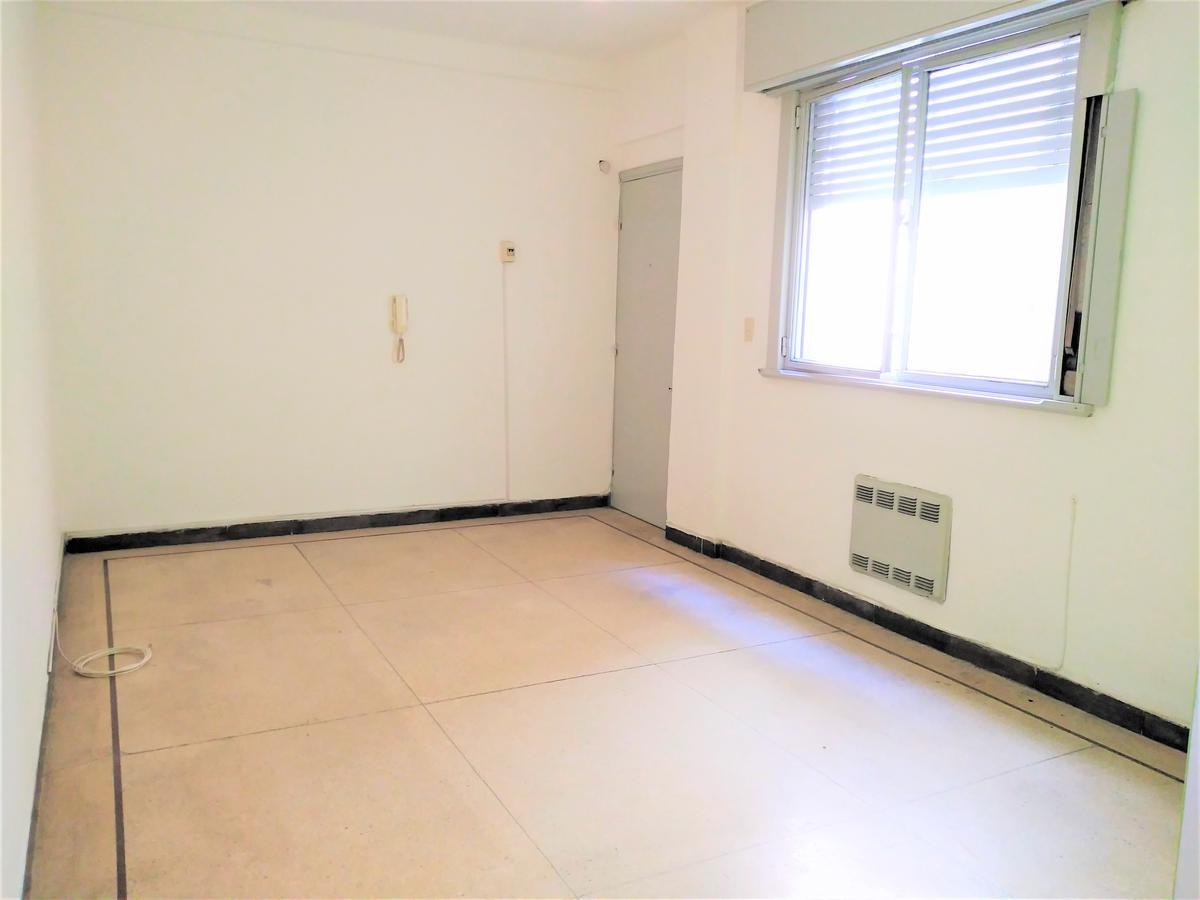 Foto Apartamento en Alquiler en  Cordón ,  Montevideo  Cerro Largo al 1600