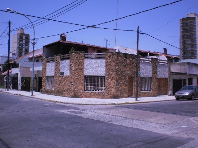 Foto Casa en Venta en  Lanús Este,  Lanús  Oncativo 1600