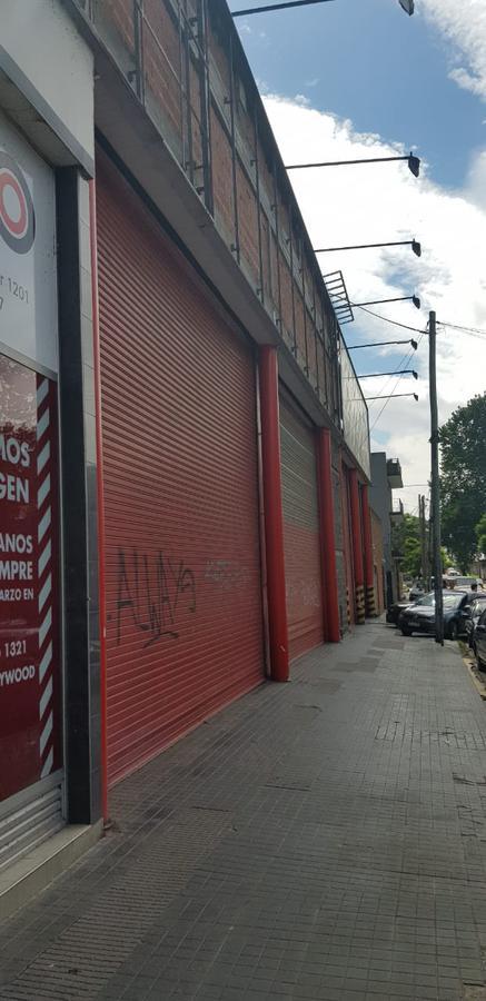 Foto Local en Alquiler en  Libertador al Río,  Vicente López  Av Libertador 1200