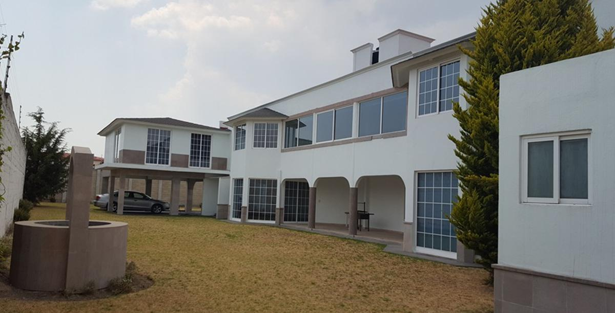 Foto Casa en Venta en  Cacalomacan,  Toluca  VENTA DE CASA EN CACALOMACÁN ESTADO DE MÈXICO