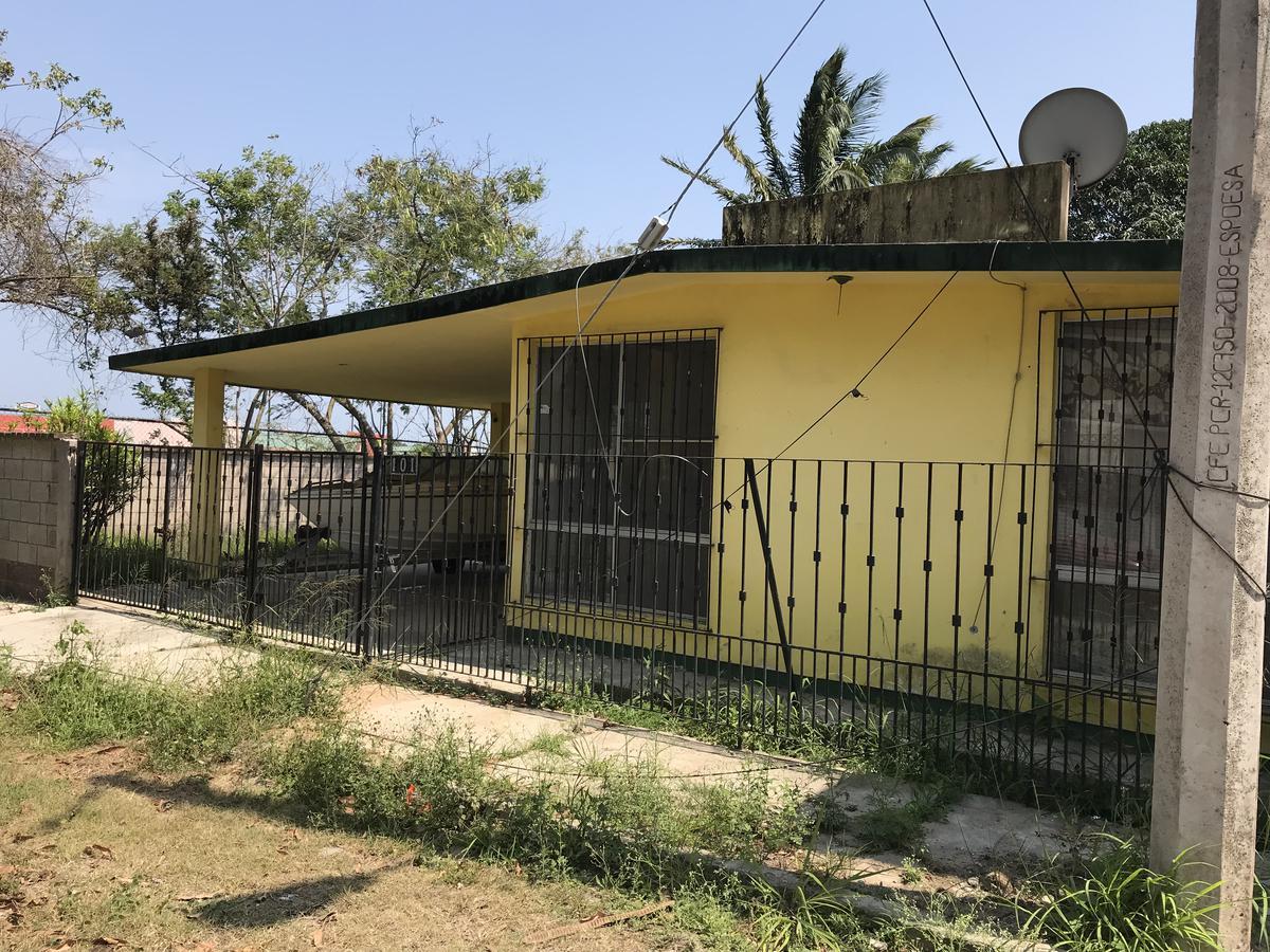 Foto Casa en Venta en  Petrolera,  Tampico  Privada Estadio