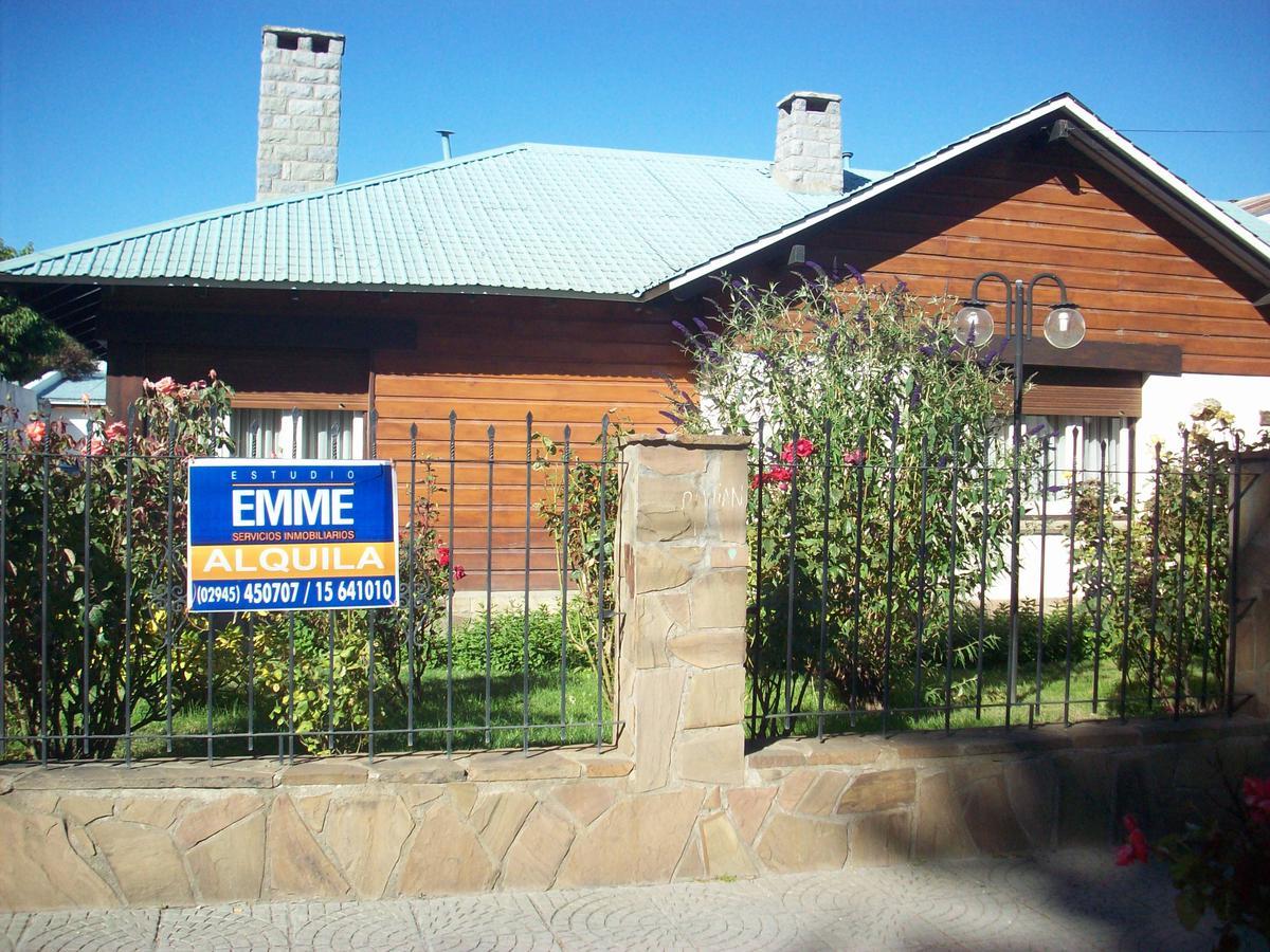 Foto Casa en Alquiler en  Esquel,  Futaleufu  Av. Fontana al 500