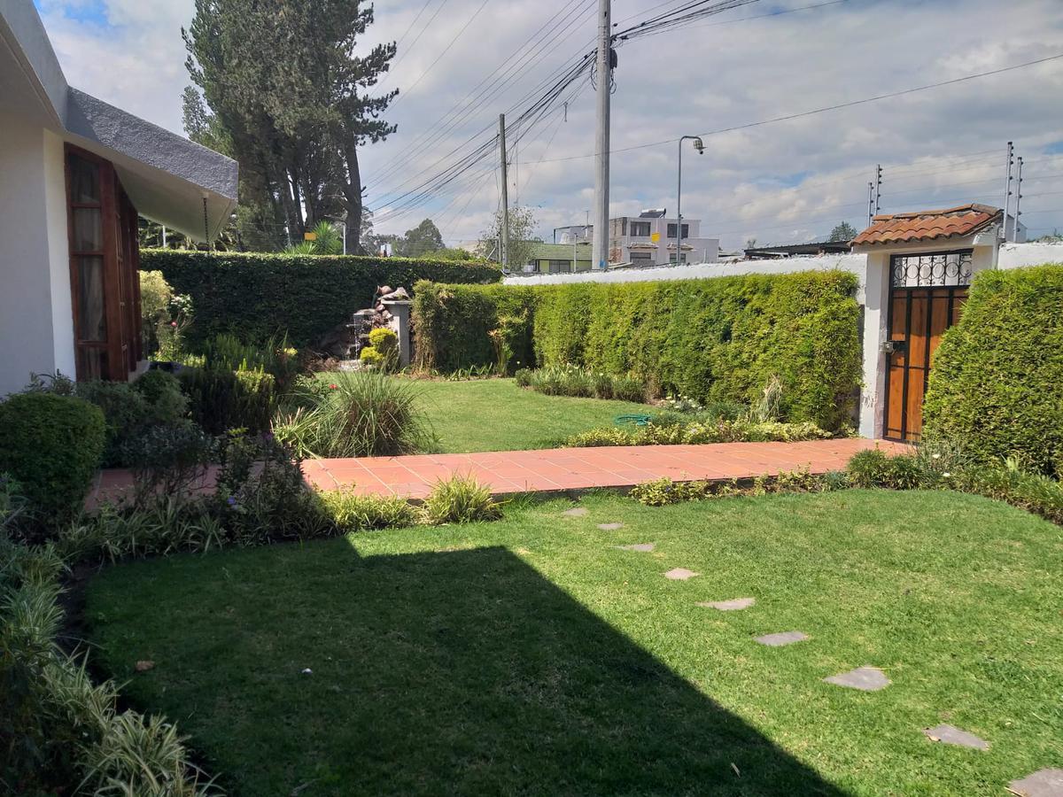 Foto Casa en Venta en  San Rafael,  Quito  VALLE CHILLOS