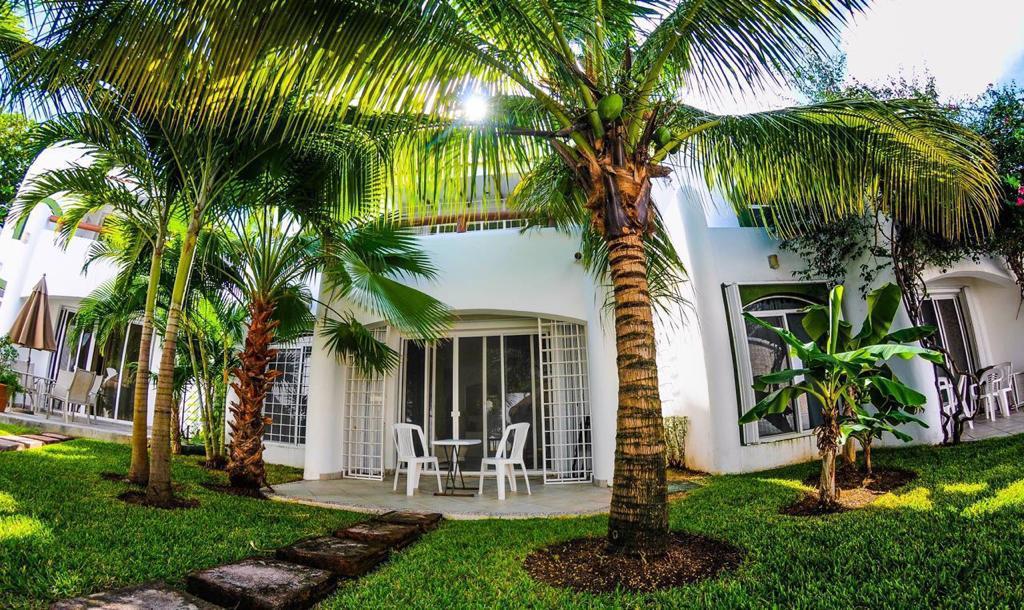 Foto Villa en Venta en  Fraccionamiento Playacar Fase II,  Solidaridad  Villa en venta Mayamar Playacar Playa del Carmen