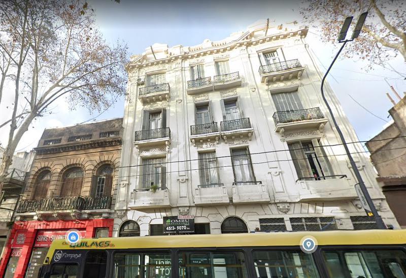 Foto PH en Venta en  Balvanera ,  Capital Federal  Av Belgrano al 2000