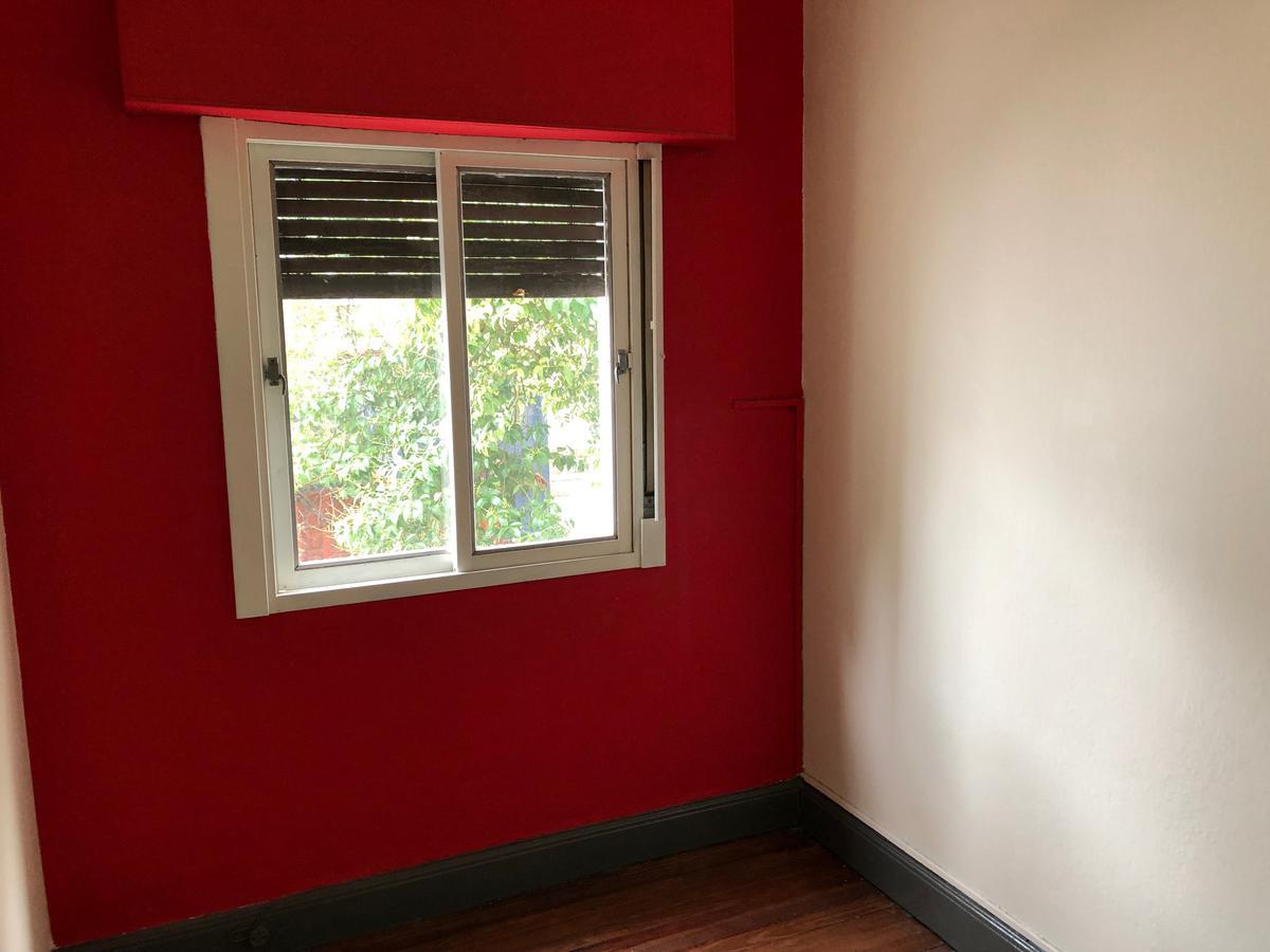 Foto Casa en Venta en  Flores ,  Capital Federal  Pje. Robertson al 1000