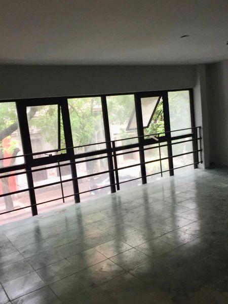 Foto Local en Alquiler en  Caballito ,  Capital Federal  AVELLANEDA 300