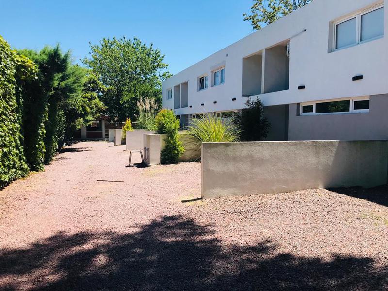 Foto Departamento en Venta en  Manuel B Gonnet,  La Plata  490 entre 21 y Camino G. Belgrano.