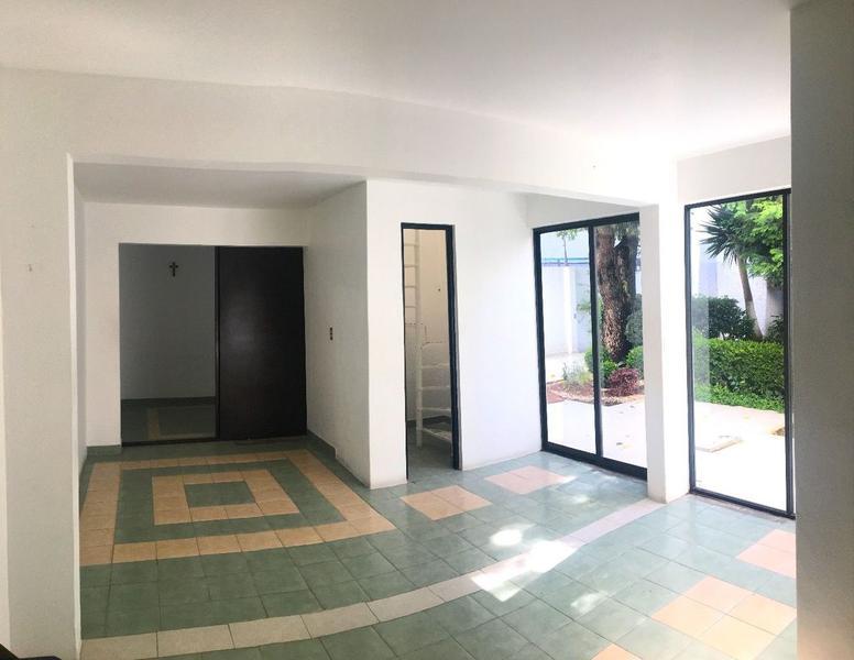Foto Local en Renta en  Francisco Murguía El Ranchito,  Toluca  Edificio Comercial para oficinas en Renta, Toluca Centro