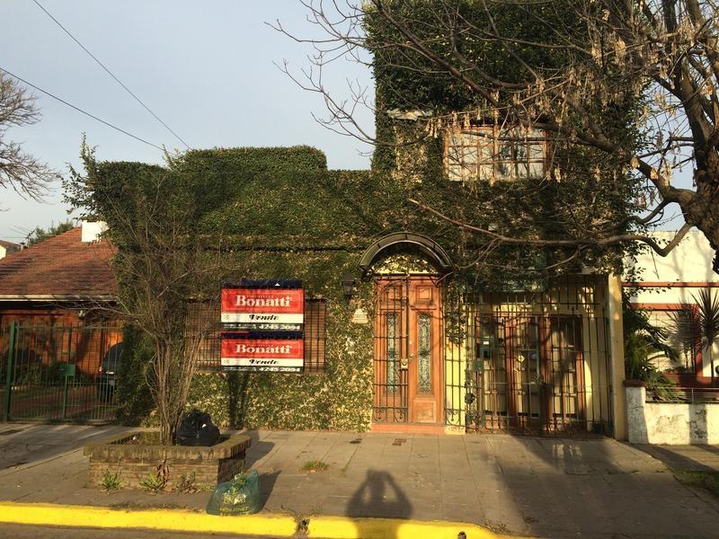 Foto Casa en Venta en  Adrogue,  Almirante Brown  CASTELLI 1256 (e) Jorge y Ramirez