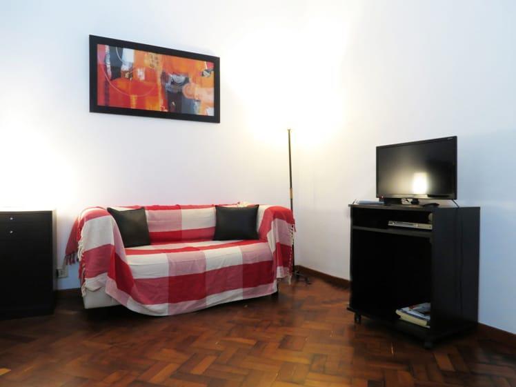 Foto Departamento en Alquiler temporario en  Recoleta ,  Capital Federal  VICENTE LOPEZ 1700 2°