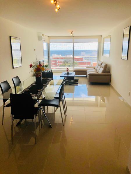Foto Departamento en Venta en  Playa Mansa,  Punta del Este  Apartamento con Hermosa Vista al Mar