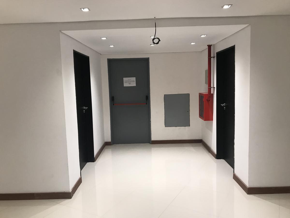 Foto Oficina en Venta en  La Reja,  Moreno  acceso oeste k41