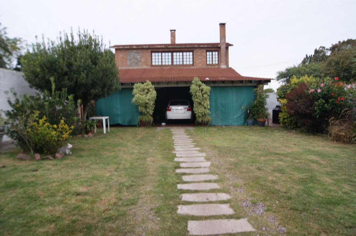 Foto Casa en Venta en  Peñarol ,  Montevideo  Covadonga al 1200