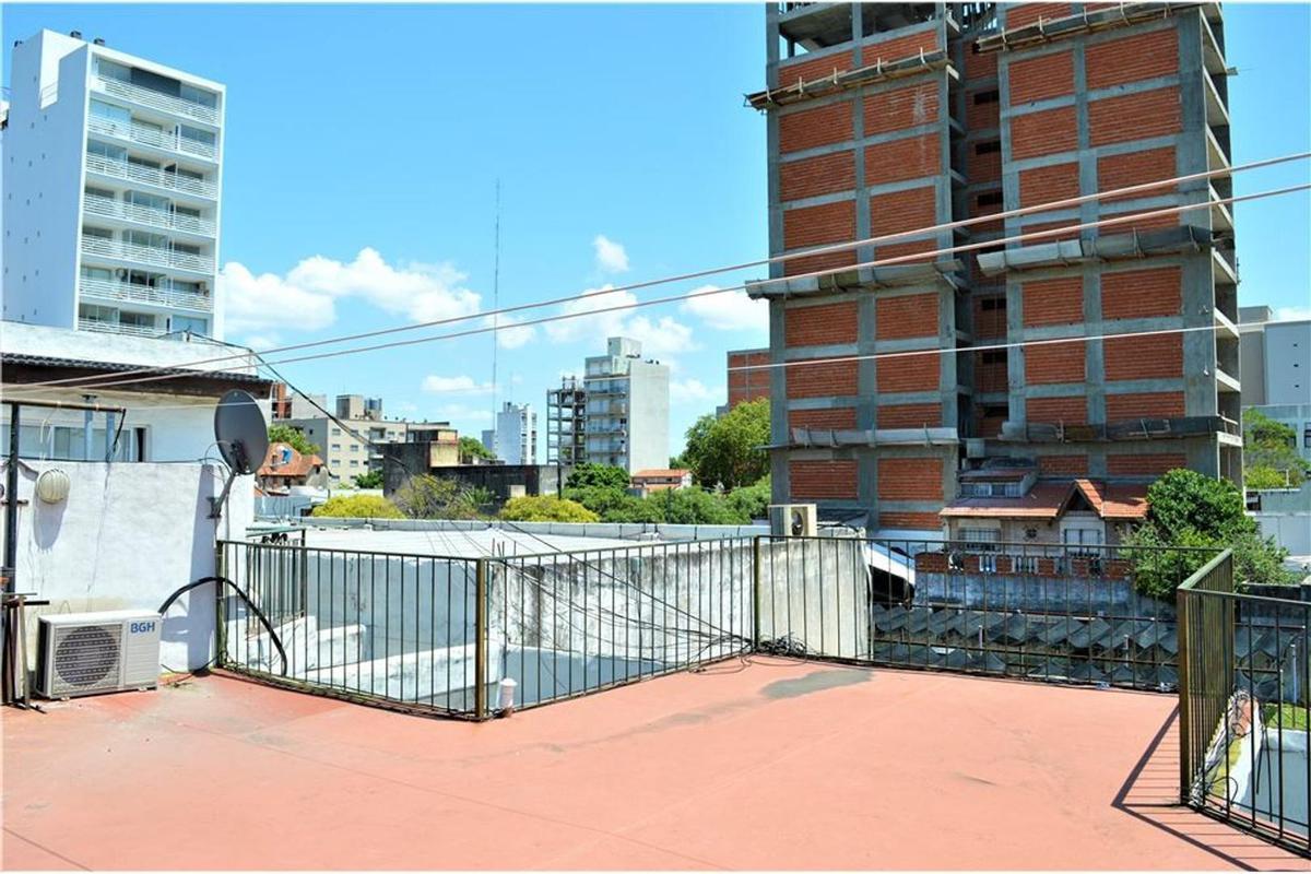 Foto Departamento en Venta en  General San Martin,  General San Martin  Ayacucho Nº 2200