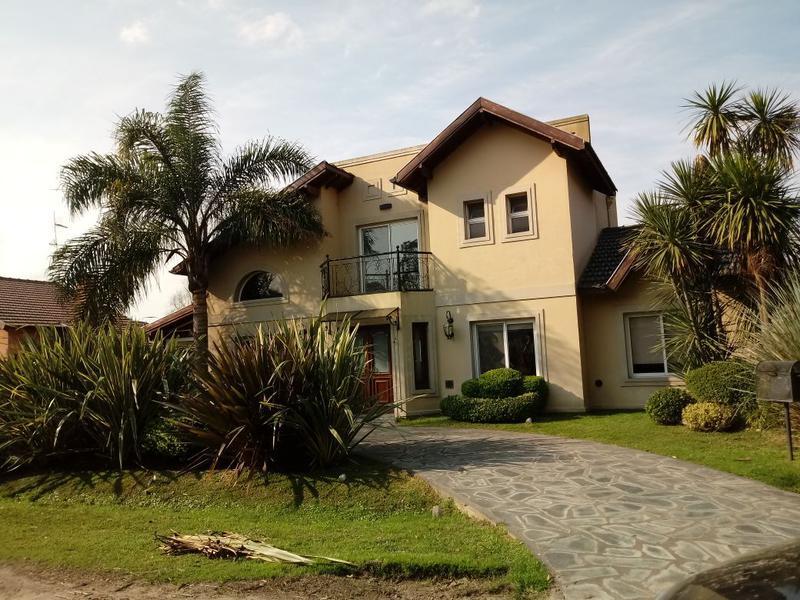 Foto Casa en Venta en  Echeverria Del Lago,  Countries/B.Cerrado  Venta - Casa en Echeverría del Lago