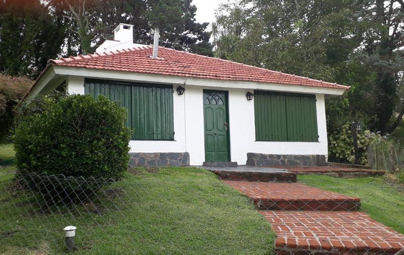 Foto Casa en Venta en  Sierra De Los Padres,  Mar Del Plata  Hector y Florencia
